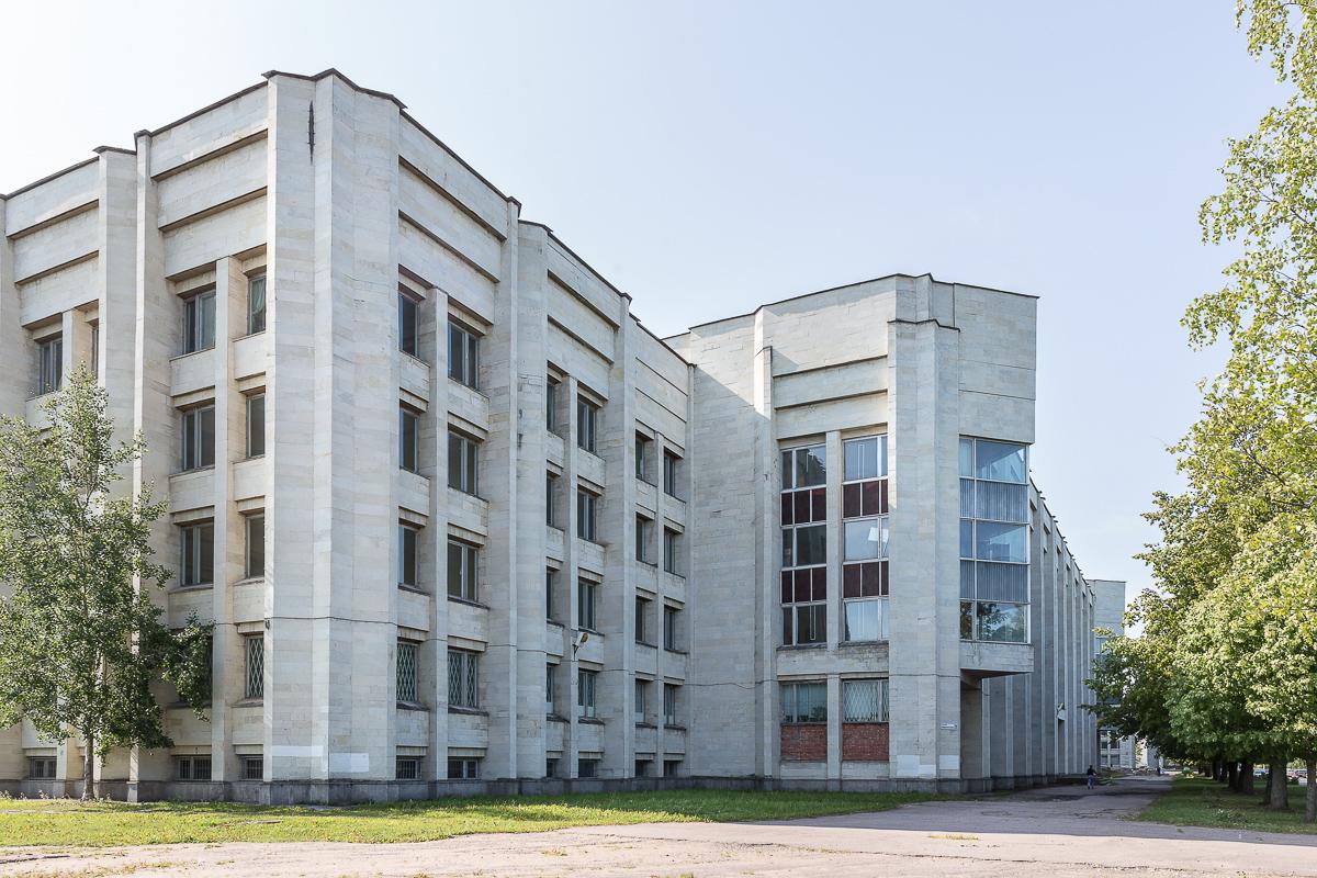 Математико-механический факультет. Эркер